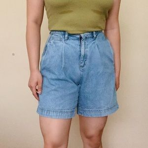 Vintage 90s Light Wash Pleated High Waisted Shorts